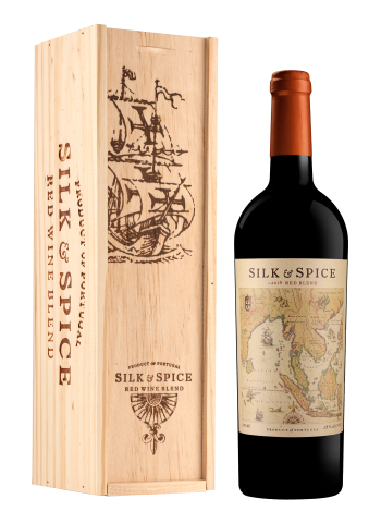 Silk and Spice Red Blend 75cl + puidust kinkekarp